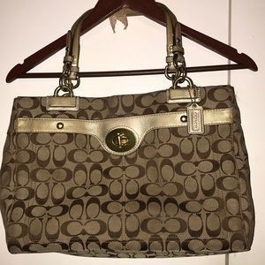 Coach purse!! Gently used condition